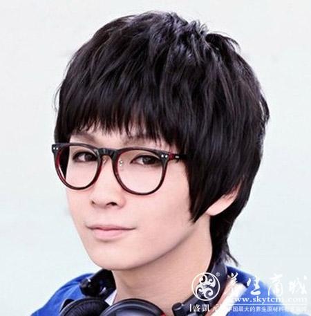 时尚韩式男生发型 可爱圆形刘海